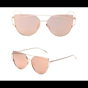 Accessories - super cute sunglasses